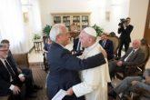 papa-se-reune-con-pastores-para-promover-unidad-entre-catolicos-y-evangelicos_369x274_exact_1473871096
